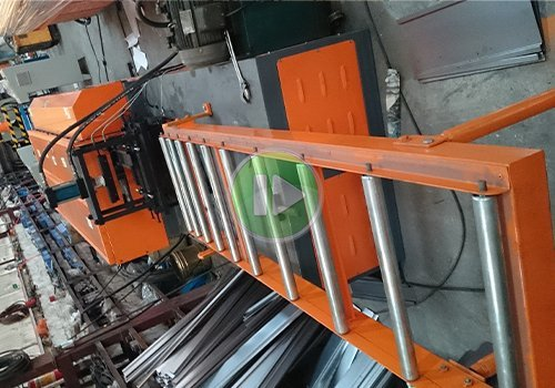 tool cabinet cross beam roll forming machine